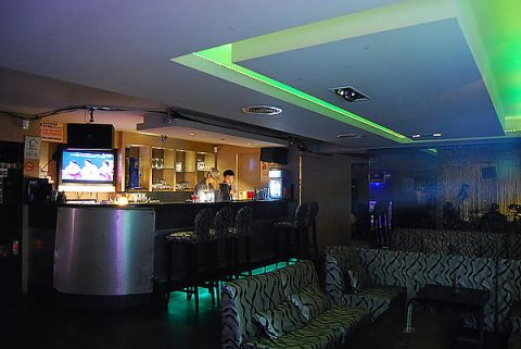 Q9 Lounge Bar - All You Can Drink